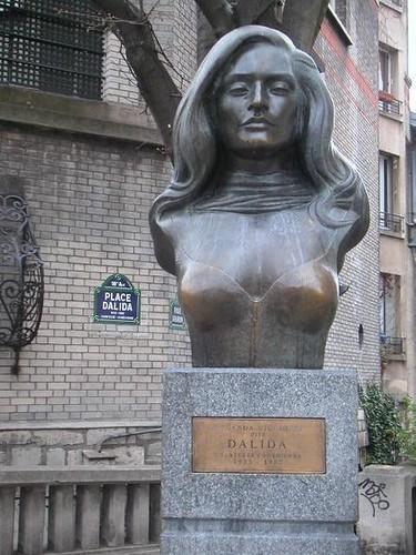 monmartre-statue-dalida