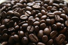 Coffee (J.W.L) Tags: coffee caf canon eos beans nederland jorn netherland 100views holanda coffeebeans koffie bonen 1171 badhoevedorp koffiebonen thecontinuum granos 400d granosdecaf canoneos400d jornlucas jornspictures faveoftheday4starfridgeandgourmetdinnergroup 4starfridgeandgourmetdinnerjellybabys
