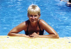 Pool (Reisende64) Tags: italien summer italy woman sun sexy pool girl italia sommer babe toll wife sicilia sizilien sexywife letojanni