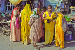 Rajasthan : Jodhpur #9 (foto_morgana) Tags: people india shopping asia market bazaar bazar rajasthan jodhpur