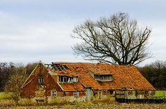 Old Country House (stfnvd) Tags: farmhouse nikon d70 18200 boerderij dxvr theperfectphotographer