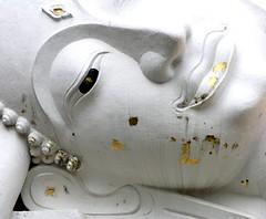 Thailand.2004-09-18.0098 (DigitalTribes) Tags: white face thailand asia southeastasia buddha buddhist reclining wat siam th dt ayutthaya ราชอาณาจักรไทย digitaltribes interestingness423 markoneil ไทย i500 อยุธยา explore14apr08