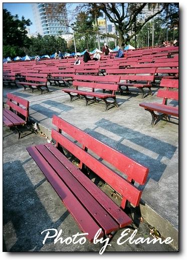 二二八公園‧群椅