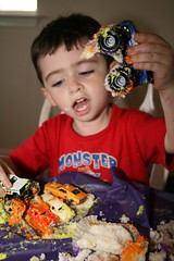 Monster Truck - Massive Cupcake Destruction (zuilma) Tags: birthday party cake play 3yearsold esteban fortworth monstertruck canonrebelxti zuilma