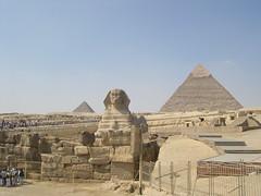 Sphynx and Pyramids (upyernoz) Tags: egypt pyramids sphynx giza مصر pyramidofcheops pyramidofkhafre pyramidofkhufu pyramidofchephren الاهرامات أبوالهول جيزة