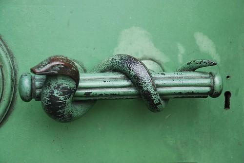 Guarding the Mausoleum, Snake Handle version