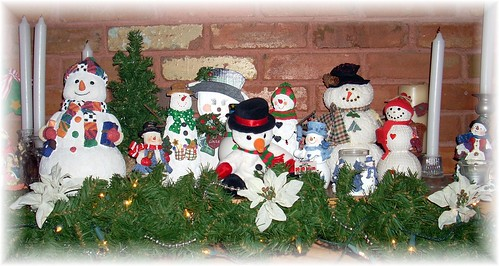 Snowman Mantle Middle