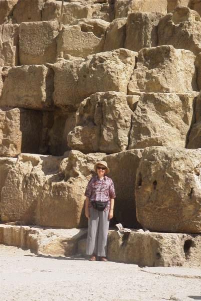 pyramidstones1_jpg