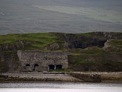 Ard Neakie - quarry with high 007 factor (Jan Egil Kristiansen) Tags: pier tunnel mysterious durness quarry limekiln industrialarchaeology secretbase limestonekiln locheriboll limestonequarry ecsochistory kalkbrenneri ardneackie a838 ardneakie p7160492