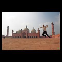 DSC_3052 (H@shim A ) Tags: me video potatoes jump dubai postcard uae mosque emirates pk masjid 883 standingovation stocker lhe wideo justsoyouknow animoto dishoom 02082008 wemisshashim hashimloveslahore laddiecomehome areyouhomeyet 313520n741838e undeletablebecausethenthestockerreferenceswouldmakenosense pantherlikereflexes batachappalupsidethehead