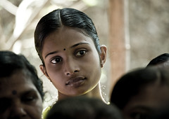 Attentive Young Woman In The Audience During Theyyam Ceremony, Thalassery, India (Eric Lafforgue) Tags: woman india girl female canon democracy eyes worship vishnu indian femme crowd ceremony kerala indie ritual hindu indi fille indien hind indi inde hodu malabar southasia indland  hindistan divination devam indija   ndia theyyam hindustan kannur kasargod teyyam  theyam thalassery tellicherry 3272  lafforgue   ericlafforgue hindia astrolog  theyyattam bhrat  kolathunadu indhiya bhratavarsha bhratadesha bharatadeshamu bhrrowtbaurshow  hndkastan