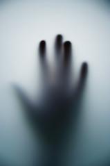 dans le flou (Cdille) Tags: main corps flou