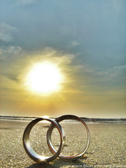 Eternal Love  (Couple White Gold Rings) /  () (AmpamukA) Tags: love beach gold couple ring soe hdr eternal chaam     flickraward  overtheexcellence 100commentgroup  ampamuka