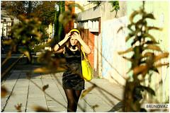 Voyer - Modelo - Lely (BRUNOVAZ) Tags: canon mulher moda curitiba bolsa bruno voyer vaz amarela externa voyerismo brunovaz