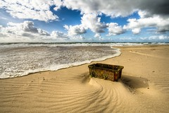 the mysterious box (Mace2000) Tags: beach nature strand germany landscape island deutschland 350d box natur insel northsea sylt landschaft nordsee stranded hdr nordfriesland mace2000 northfrisia countryscenery 2img6679
