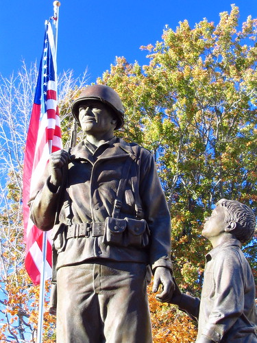 Shelbyville's Veterans Mem. statue version #3