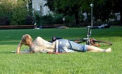 tattoed guy relaxing (loungerie) Tags: vienna wien park boy parco man sexy guy grass bike mobile tattoo relax back bodylanguage redhead erba bici rest lying prato tatuaggio schiena bicicletta unsuspecting tattooed sdraiato tatuaggi