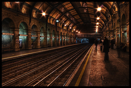 notting hill gate - london tube, england