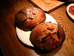 Baking bread on a hearth fire - Cocer pan en el fuego de la chimenea 3/3 (Ibn) Tags: bread baking hearth pan fuego sourdough hogar chimenea masamadre