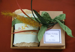 Biryhday gift (naiadsoaparts) Tags: soap packaging loofah coldprocess ribbongifts