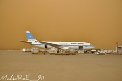 Kuwait AirWays (HaBib AL - AyouS  G.W.L.K) Tags: bus nikon air 600 airbus kuwait 300 airways ways d90     300600