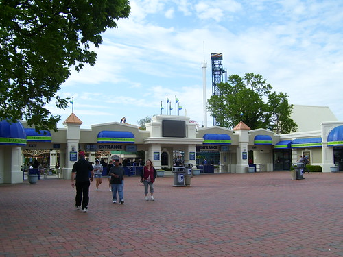 Cedar Point - Entrance Plaza (Newly Redone)