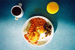 skankest full english (lomokev) Tags: blue food breakfast tomato mushrooms bacon beans elmo egg sausage pg contax sesamestreet friedegg orangejuice agfa skank ultra hashbrowns fryup t2 agfaultra contaxt2 skanky fullenglish pgtips breaky skankest file:name=070821contaxt218