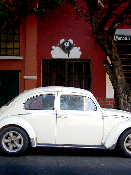 White Volkswagen Beetle in Mexico City