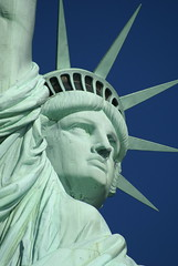DSC00238 (Mi punto de vista - bllamasy) Tags: nyc usa newyork statue liberty libertad sony sigma estatua soe a100 28300 100 dslra100 alpha100 28300mmf3563dgmacro 28300mmdg