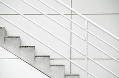 stairs (Pieter Musterd) Tags: white holland lines stairs perfect photographer nederland thenetherlands denhaag diagonal bibliotheek wit thehague trap stadhuis escaleras lijnen the 10faves diagonaal pieter007 abigfave canoneos400d aplusphoto pietermusterd