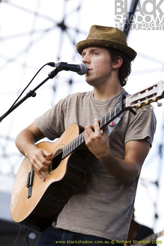 988463682 What's the style of hat that Jason Mraz always wears? | Yahoo Answers