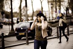 faire la moue / pouting (Sporlink) Tags: street pink portrait paris feminine candid bodylanguage streetlife pouting ef85mmf18 superbmasterpiece fairelamoue canoneos1dmkiii