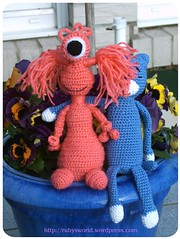 Amineko and his Girlfriend Jayla (Ruby's World) Tags: pink blue alien crochet amigurumi amineko