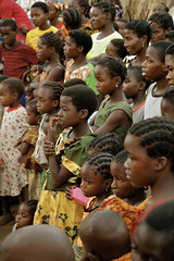 Faces - Kawaza village - Zambia (PascalBo) Tags: africa boy people girl face kid nikon child d70 enfant fille zambia visage garçon kunda afrique southernafrica eastafrica zambie 123faves kawaza afriqueaustrale afriquedelest pascalboegli