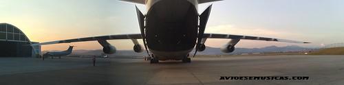 AN-124 Porta Traseira Aberta