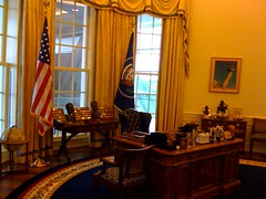 Oval Office recreation at Clinton Presidential Library