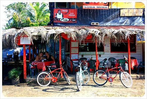 Manzanillo Soda Dani & Jess & Bikes