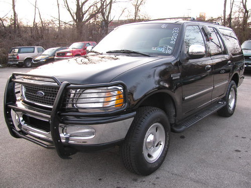 Ford Expedition 2001 Black , beautiful only $2,000.00 Down Payment at Drivehere.com