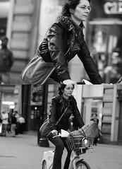 [La Mia Citt][Pedala] (Urca) Tags: portrait blackandwhite bw italia milano bn ciclista ritratto biancoenero bicicletta 2011 pedalare