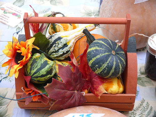 102707gourdcenterpiece