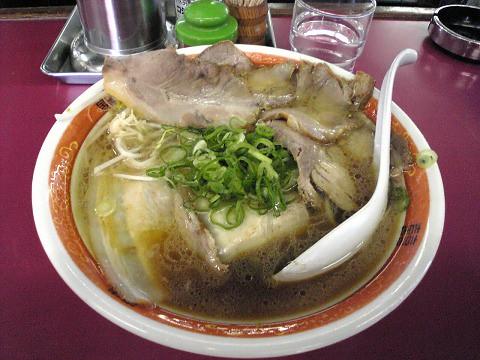 ラーメン『豚菜館』-醤油(中)
