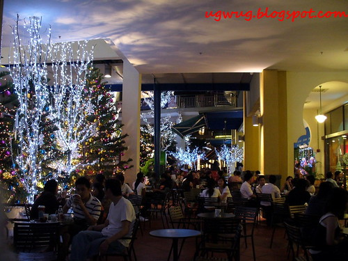 Christmas at The Street, Curve