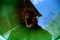 07.02.08 [Me in the rain barrel] (*party pooper*) Tags: blue portrait sky selfportrait green nature water nikon 365 2008 rainbarrel waterbutt meandmycamera 365days regentonne nikond80 070208 365tage 59tagday