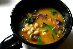 Chickpea & stars soup