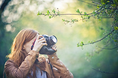 (mblsha) Tags: tree girl spring photographer afdcnikkor135mmf2d