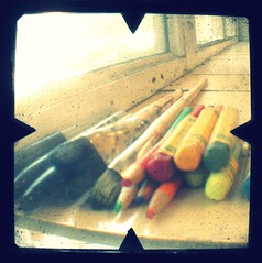 art supplies. (ANOTHER RECYCLED PICK FROM MY STREAM.) (artsy_T) Tags: classroom voigtlander brilliant artsupplies artroom cwd ttv throughtheviewfinder classwithdave cwd381