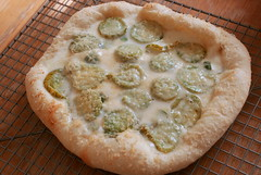 green & white pizza