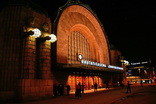 "Helsinki - Railway Station • <a style=""font-size:0.8em;"" href=""http://www.flickr.com/photos/26679841@N00/1794735458/"" target=""_blank"">View on Flickr</a>"