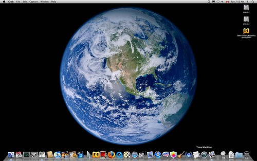 LEOPARD OS X BACKGROUND ON #2 IMAC