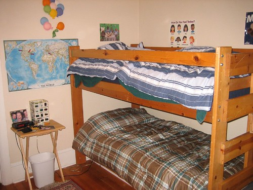 bed bedroom bunkbed